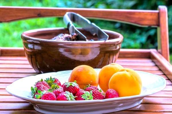 Peut-on congeler les fruits rouges ? Et tous les légumes ? Pour vous aider à mieux conserver votre nourriture, voici le guide des 83 aliments que vous pouvez congeler (et ceux qu'il ne faut surtout pas congeler).