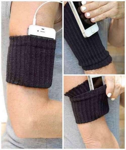 Recyclage d'une chaussette en brassard pour iphone.