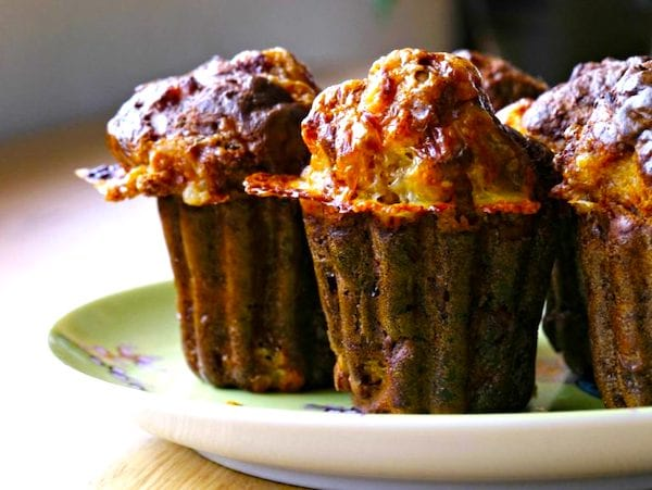 Peut-on congeler les gâteaux secs ? Et un cake salé ? Pour vous aider à mieux conserver votre nourriture, voici le guide des 83 aliments que vous pouvez congeler (et ceux qu'il ne faut surtout pas congeler).