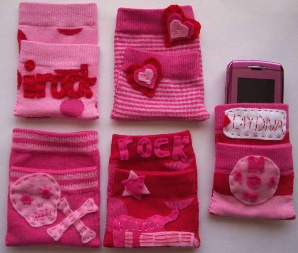recyclage de chaussette en pochette pour les portables