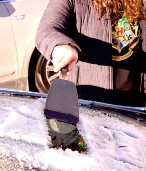 12 astuces incontournables pour votre voiture en hiver. Black Bedroom Furniture Sets. Home Design Ideas