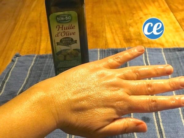 Un remède à l'huile d'olive pour hdrater les mains sèches et gercées