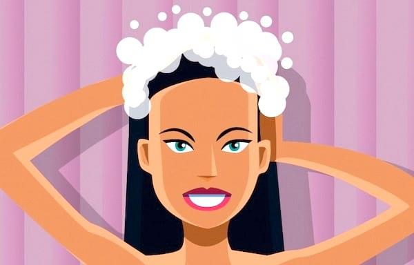 Faire un shampooing tous les jours est une des erreurs les plus courantes lorsque l'on prend une douche.