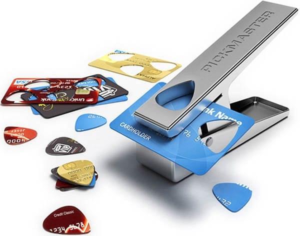 médiator guitare dans carte de crédit
