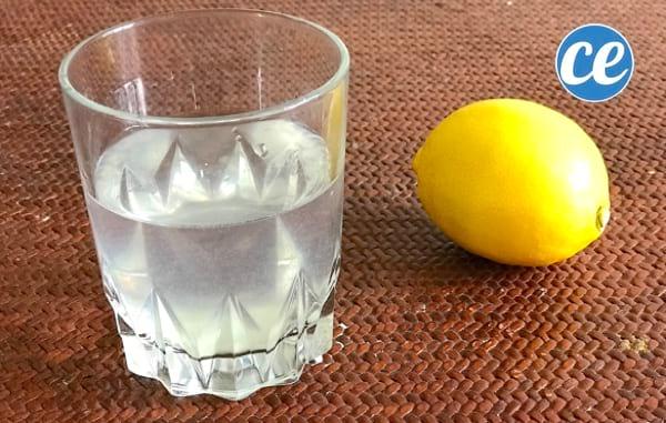 Un remède à l'eau citronnée pour déboucher le nez
