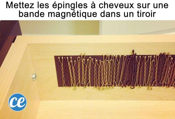 Une bande adhésive magnétique pour ranger les épingles à cheveux