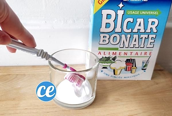 Comment blanchir les dents rapidement à la maison avec du bicarbonate