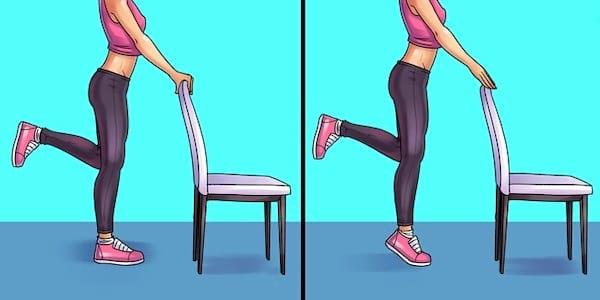 Exercice de soulèvement des pieds pour soulager les douleurs au genou, pied, hanche