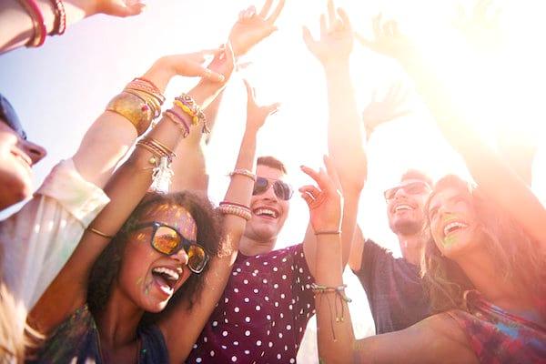 Pour vivre jusqu'à 100 ans, soyez plus extraverti.