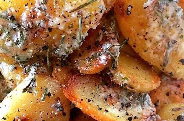 recette facile et économique de pommes de terre à l'ail et romrin