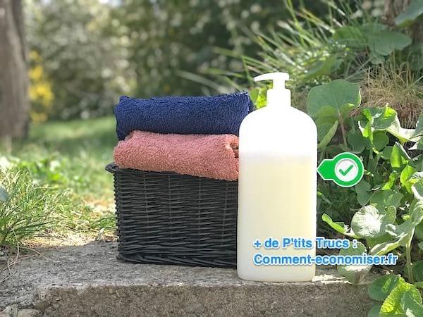 la recette du savon liquide pour les mains avec 2. Black Bedroom Furniture Sets. Home Design Ideas