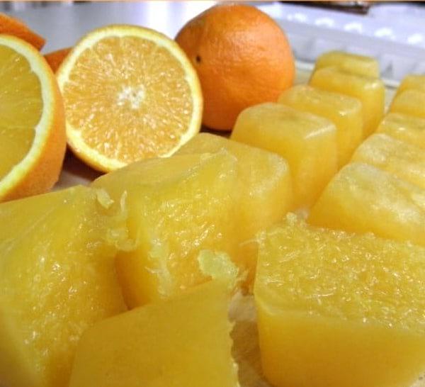 glaçons avec du zeste de citron