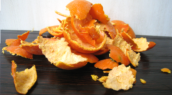 comment désodoriser la poubelle avec des peaux d'orange