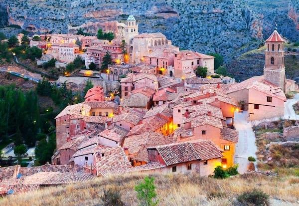 Ville d'Albarracin avec son ambiance moyenâgeuse en Espagne