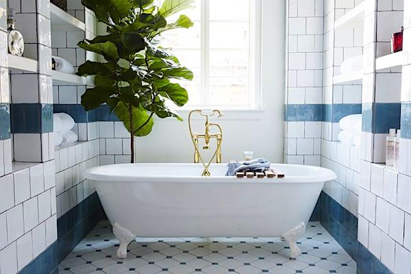 Saviez-vous qu'il vaut mieux prendre un bain qu'une douche lorsqu'il fait vraiment chaud ?