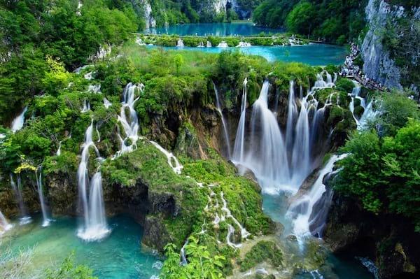 Des magnifiques cascades en Croatie autour des lacs de Plitvice