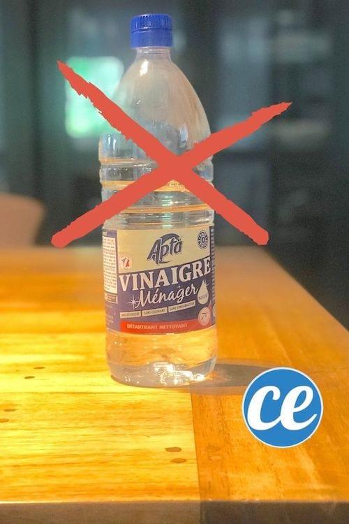 Ne pas nettoyer un meuble en bois ciré avec du vinaigre