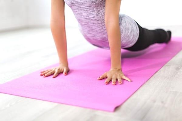 Ces 7 étirements rapides vont vous permettre de soulager vos douleurs dorsales dès maintenant !