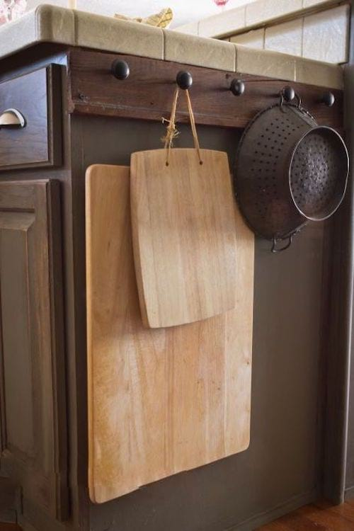 Astuce pour ranger dans les espaces oubliés de la cuisine