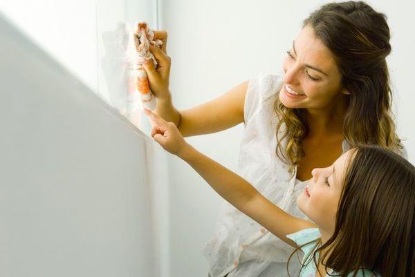 Quand nettoyer les vitres et les miroirs ? Voici comment nettoyer votre maison plus efficacement en 7 étapes ultra-faciles.