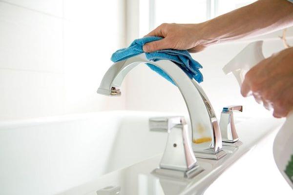 Quelle est la MEILLEURE méthode pour nettoyer votre maison ? Suivez ces étapes faciles.