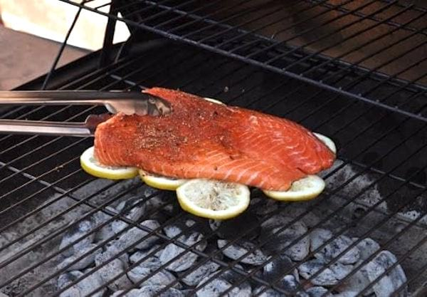 25-faire-cuire-poisson-barbecue.jpg