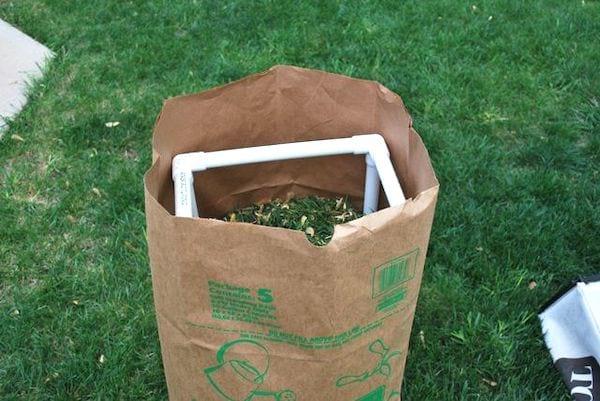 support pour poubelle de jardin pas cher tuyau PVC