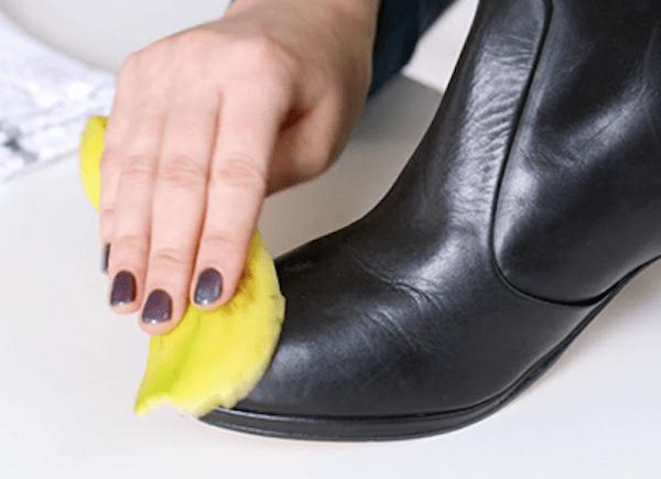 cirer les chaussures avec peau de banane