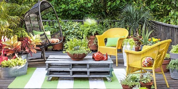 Jardinières partout sur la terrasse