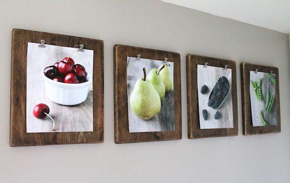accrocher photo sur support en bois