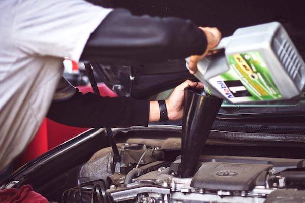Pour sauver la planète, faites un entretien régulier de votre voiture.