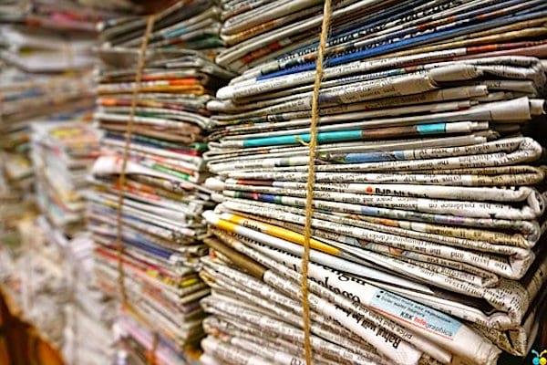 Pour sauver la planète, recyclez toujours les journaux en papier.