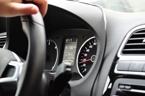 Pour sauver la planète, utilisez le régulateur de vitesse de votre voiture.