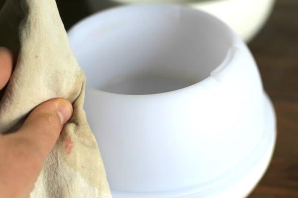 essuyer le diffuseur d'huile essentielle