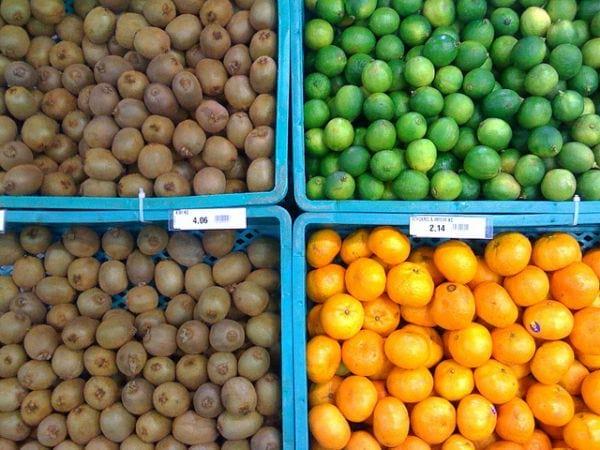 Marché local de fruits et légumes