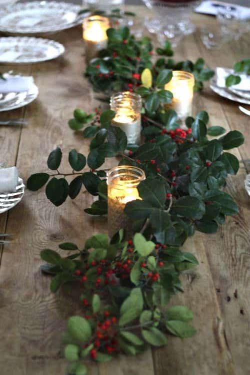 Table décorée avec du groseille