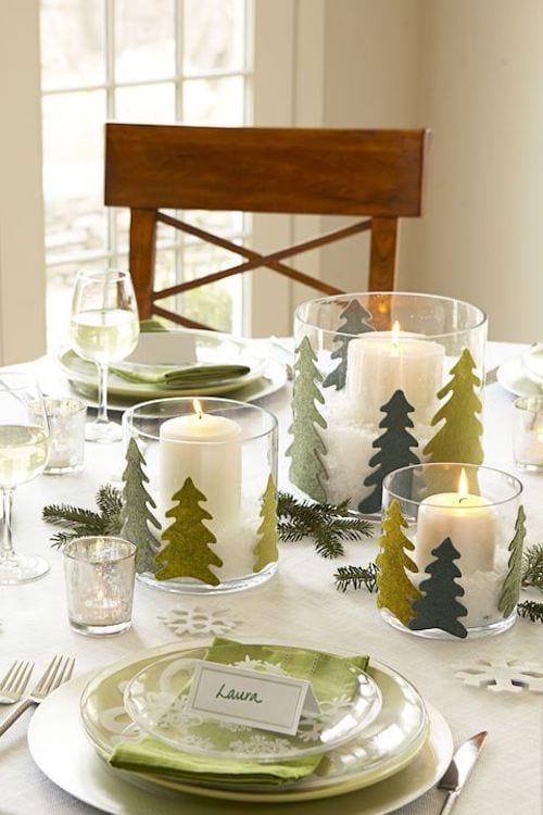 Plusieurs bougies dans différents vase transparents