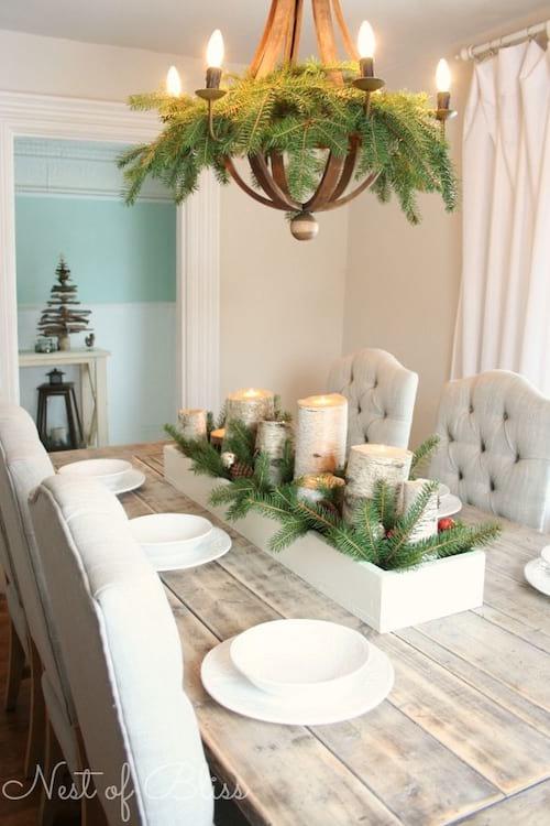 Table décorée avec arbuste