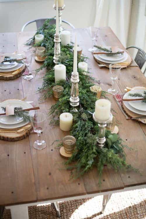 Table avec plusieurs bougies