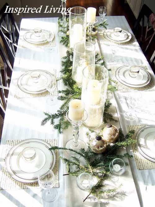 Table décorée avec que des choses blanches