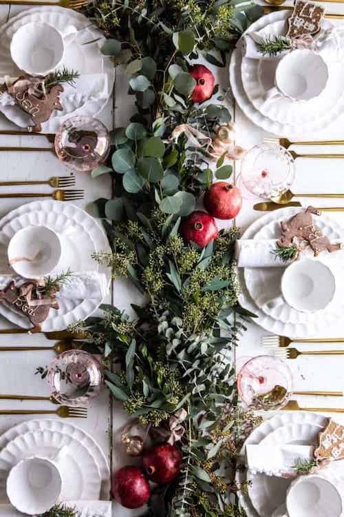 Table remplis de plantes diverses