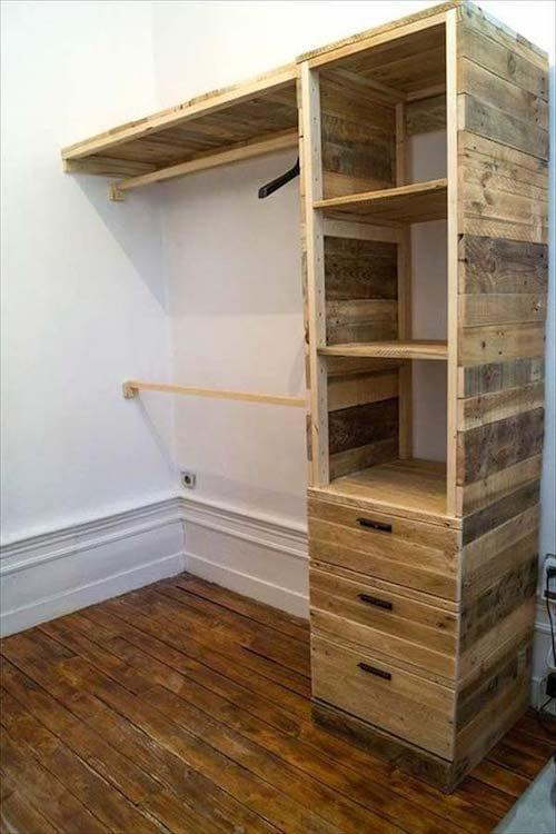 Espace de rangement pour vêtements tout en bois