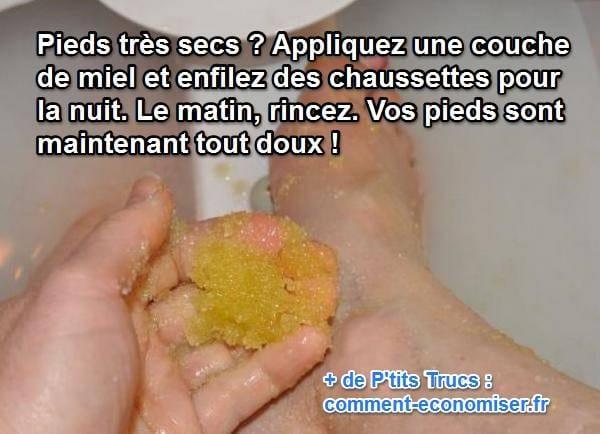 La recette d'un soin au miel pour les pieds secs