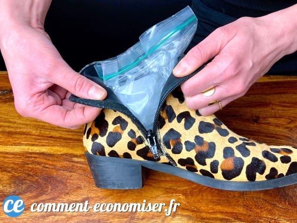 En gelant, l'eau permet d'agrandir les chaussures trop petites.