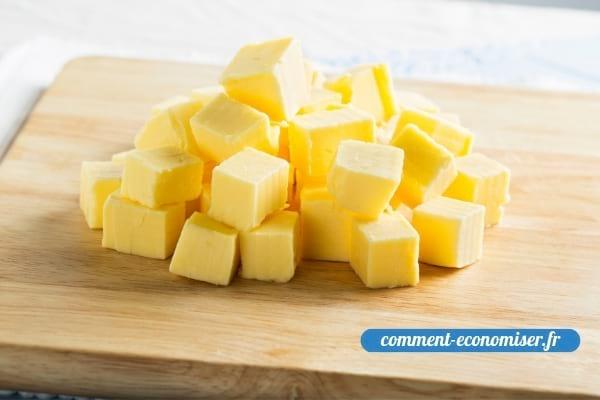 Du beurre à température ambiante et découpé en petits morceaux.