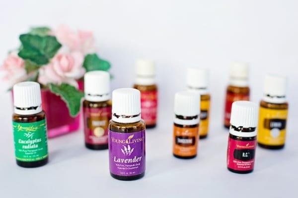 De nombreuses huiles essentielles sont réputées pour soigner les boutons de fièvre.