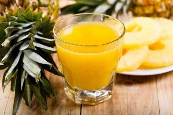 jus d'ananas frais pour soigner les verrues
