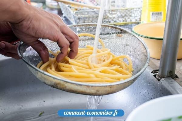 Il ne faut surtout pas rincer les pâtes après la cuisson.