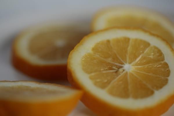 Des rondelles de citron comme remède pour piqure insecte