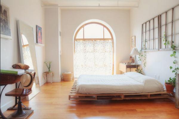 les palettes sont une solution économique pour faire un lit